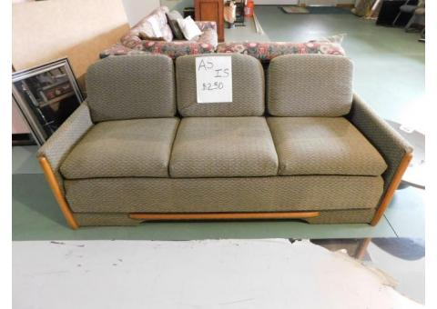 RV FLIP SOFA NICE CONDITION  FOLDS DOWN TO MAKE A BED